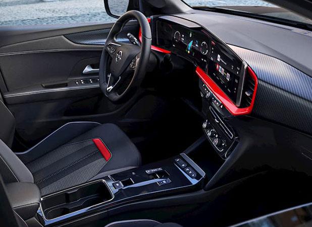 Nouveau Opel Mokka vue tableau de bord et sièges avants